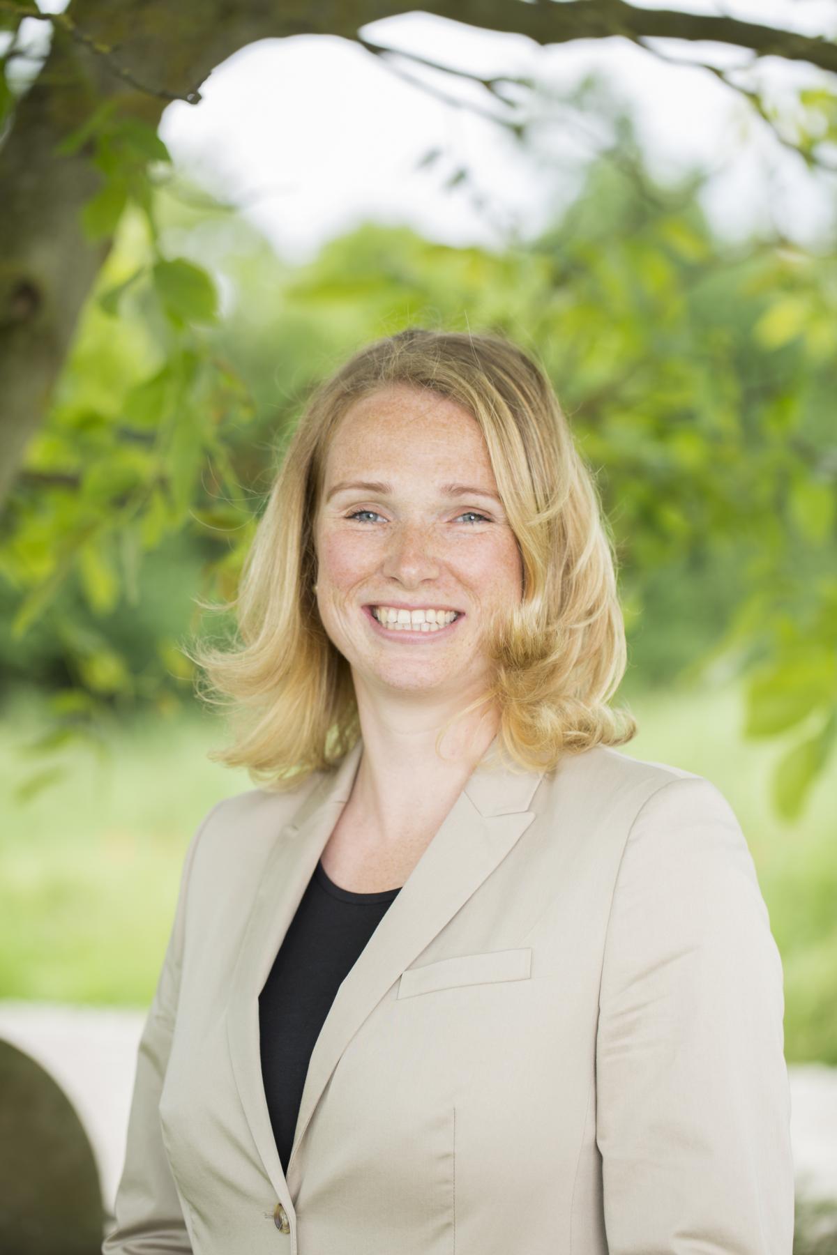 Portrait Bettina Hagemann, Marketing & Personal
